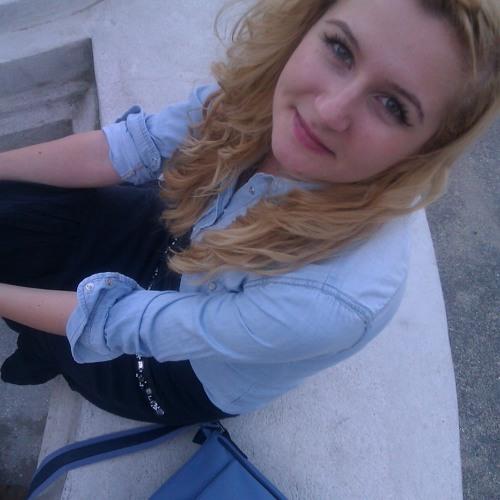 Alexandra Baciu G's avatar