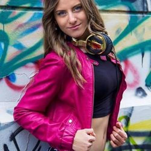 Tatjana Kalnak/ DJ Blondy's avatar