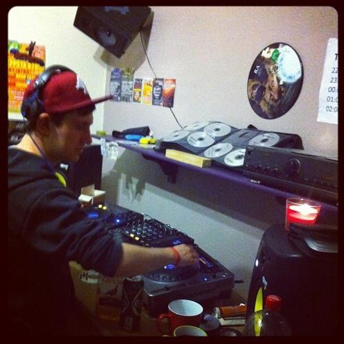 DJ Yesi's avatar