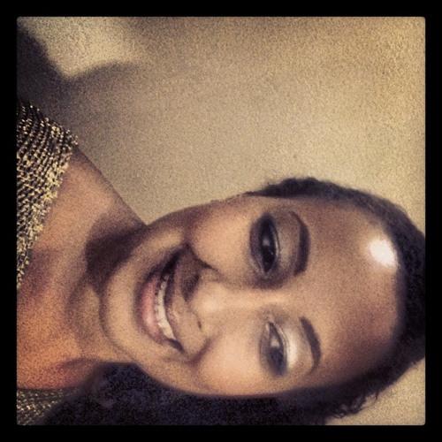 Erica Muzel's avatar