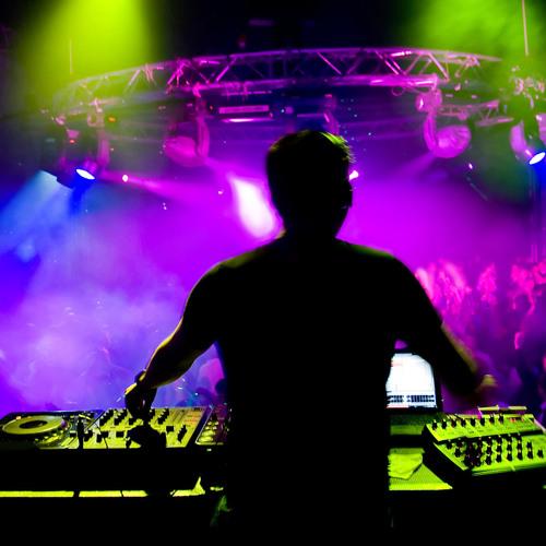 DJ Fl@shback's avatar