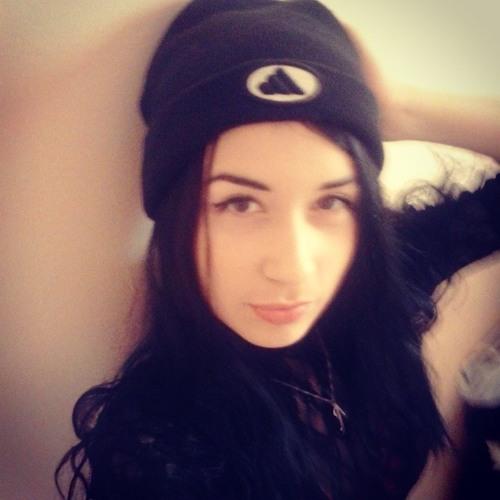 Andreea Georgianna's avatar