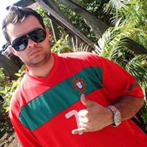 Elton Cardoso Candido's avatar