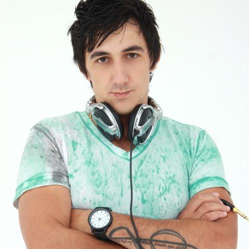 DJ Yuriih Santos's avatar