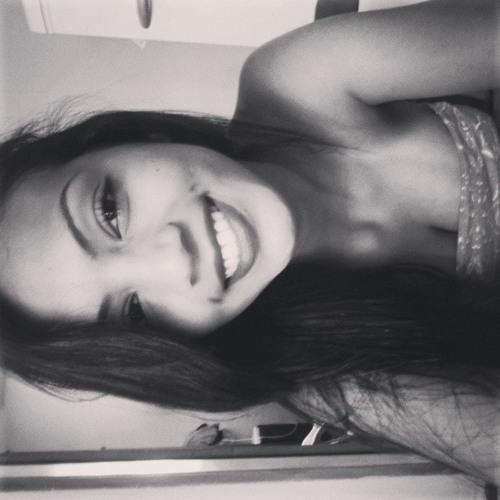 Naiara Nogueira's avatar