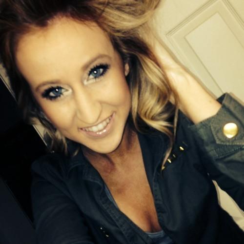 Hayley Mackanin's avatar
