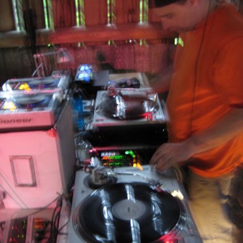 DJ indium's avatar