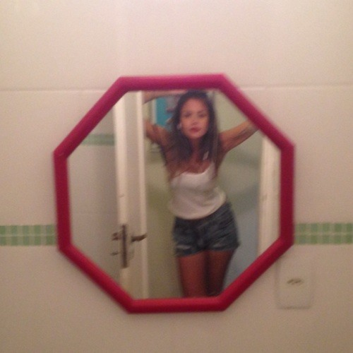 Laura Marques 16's avatar