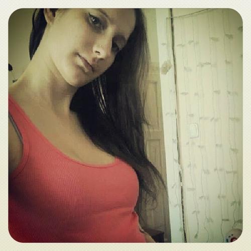 HardstyleGirl's avatar