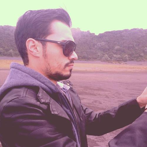 Jose Herrera Vega's avatar