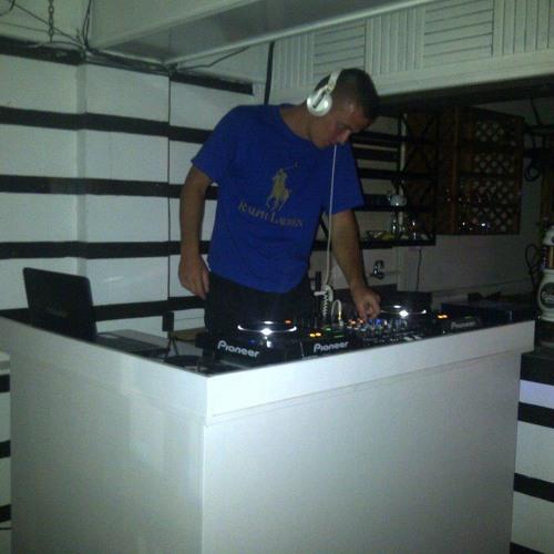 DJ-Tobin's avatar