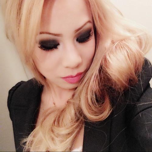 Amanda Nguyen 17's avatar