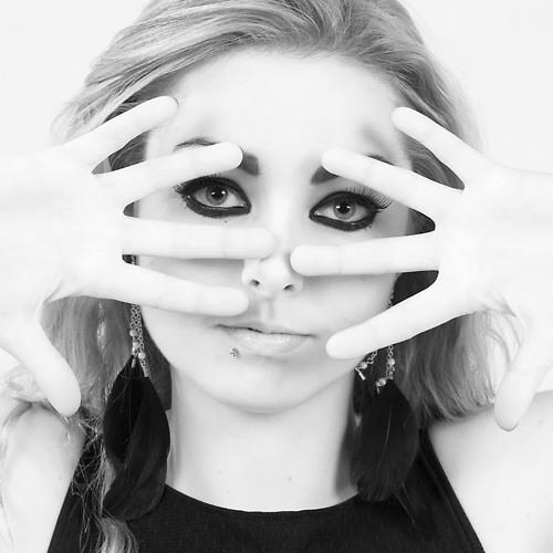 hollie mac's avatar
