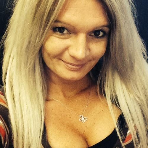 Christine98's avatar