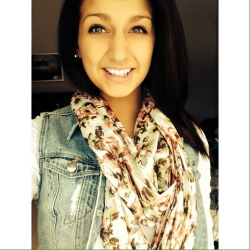 Lydia Petee's avatar