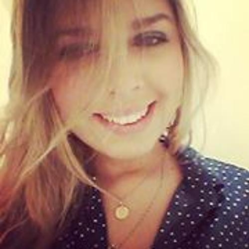 Camila Paiva Góes's avatar