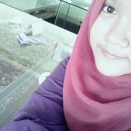 Radhia Razali's avatar
