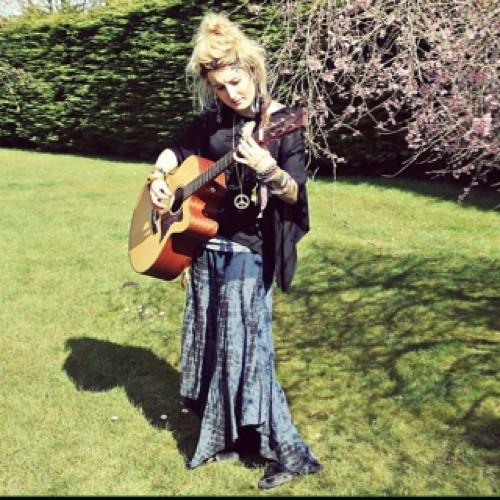 Etty Fay Henrywood's avatar