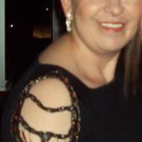 Aynur Esmer's avatar