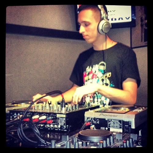 DJ Bosznai's avatar