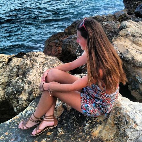 Chloe Burger's avatar