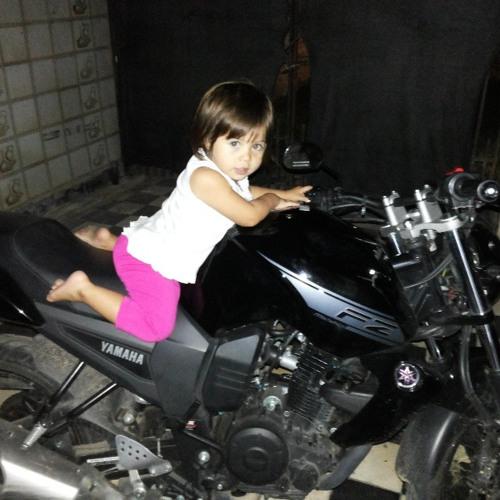 Loana Lucero's avatar