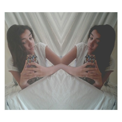 livia_carvalhob's avatar