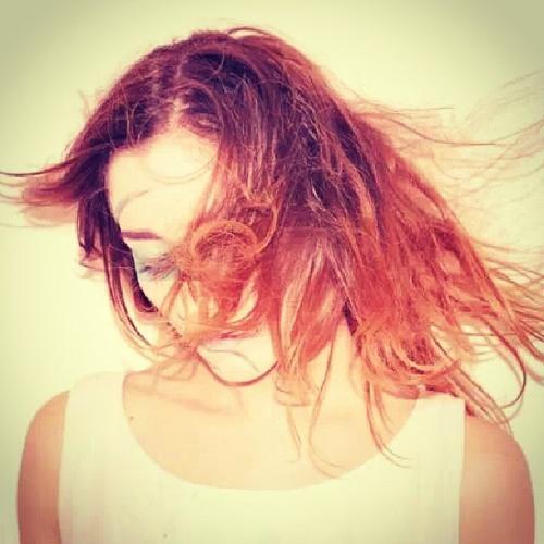 Laura Valeria Thillet's avatar