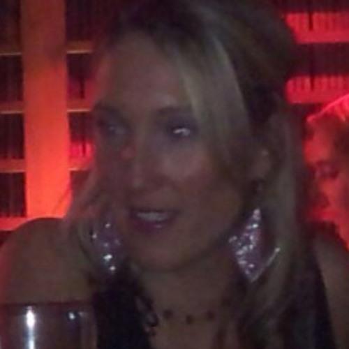 Nikki Breslin's avatar