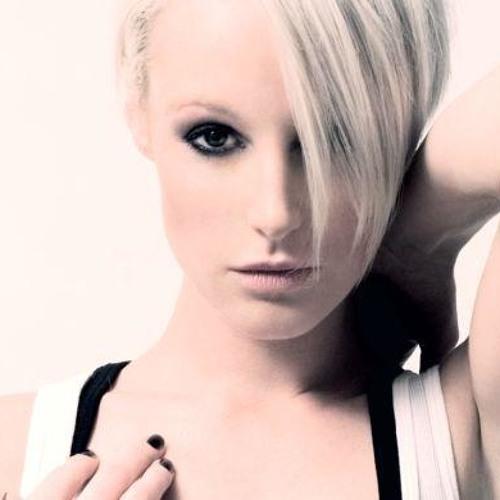 Emma Hewitt 2014's avatar