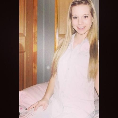 Lisa Dubeau's avatar