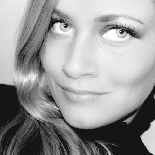 Laura Val's avatar