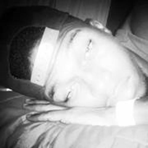Kenneth Redeemer's avatar