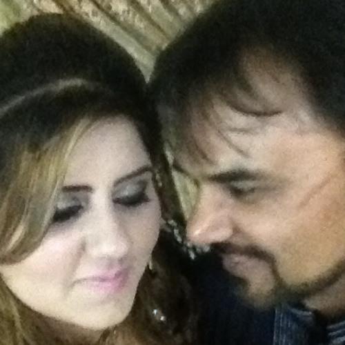 Annie shafiq's avatar
