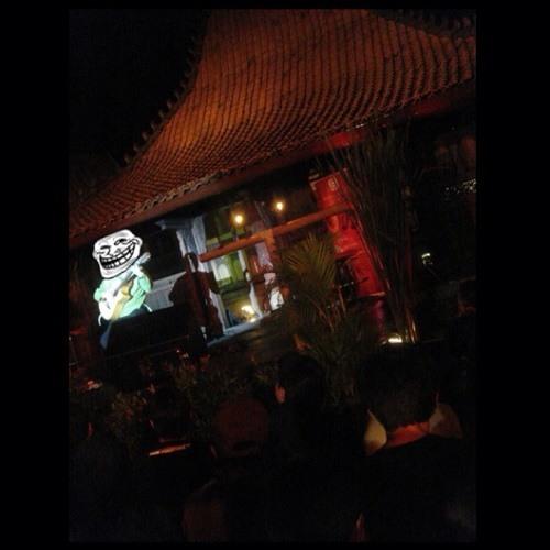 Payung teduh - resah (karaoke version) Chords - Chordify