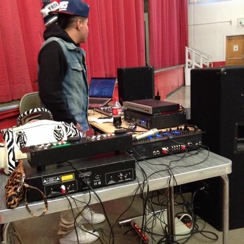DJ L3GO's avatar