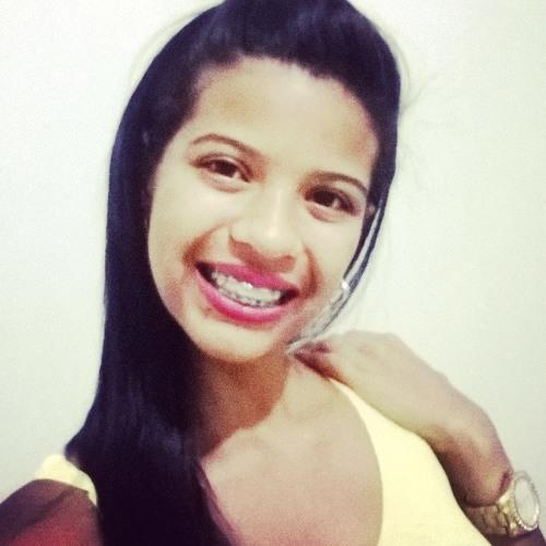 Lauriana Brito's avatar