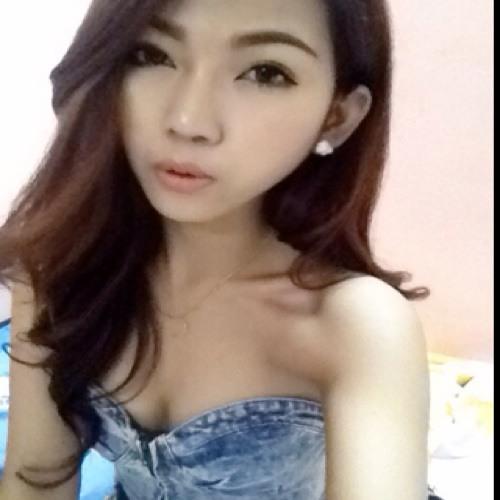 Adelene_ooi's avatar