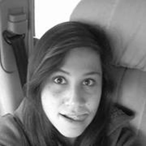 Mery Luciana's avatar