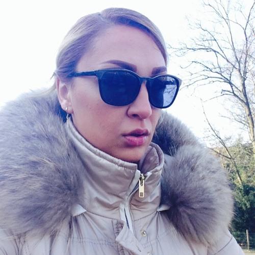 Sonia Bakhti's avatar