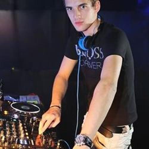 stevezyro's avatar
