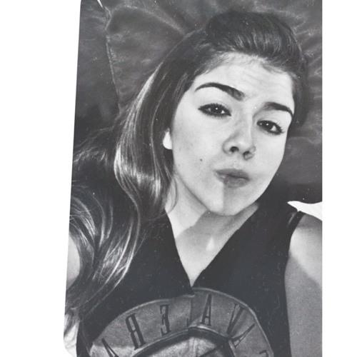 Bianca Medeiros 9's avatar