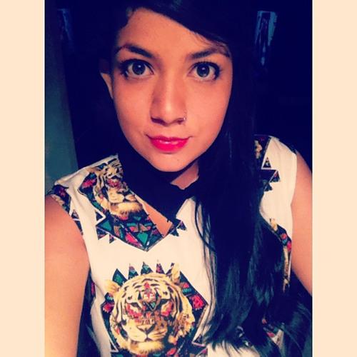 María F Chacón's avatar