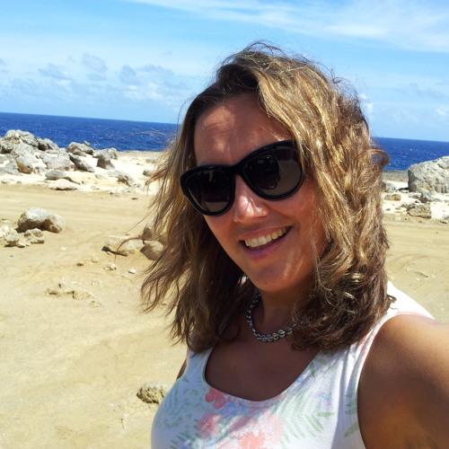 Monique van Tol's avatar