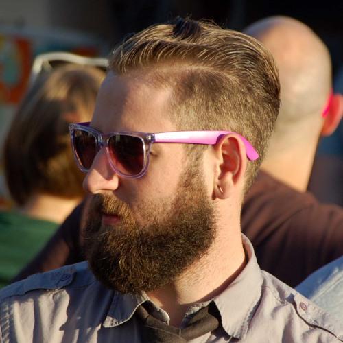 Larry Trux's avatar