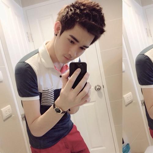 Alex Jonghun's avatar