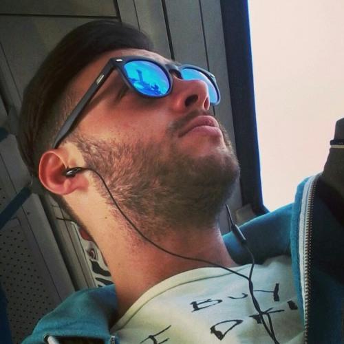 user569610931's avatar
