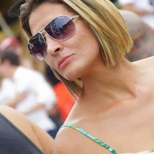 Paula Moreira 4's avatar