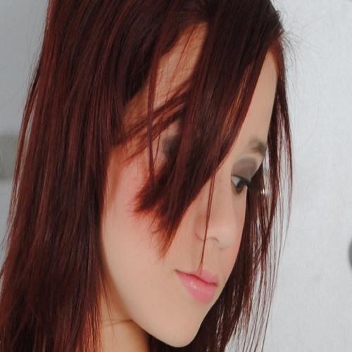 @carololiveira794's avatar
