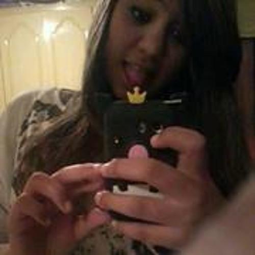 Beatriz Rodrigues 80's avatar